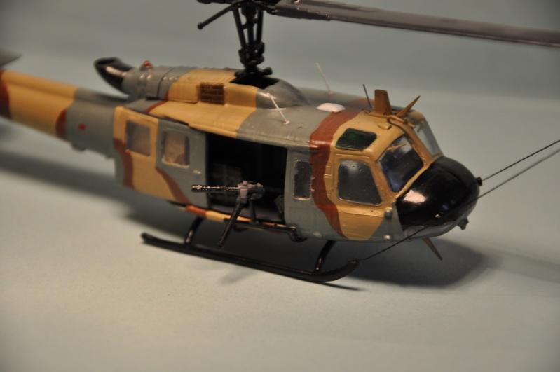 BELL UH-1H 1/72  du DOSAW à Kandahar en 2009 ( base Revell UH-1D) Dsc_0829