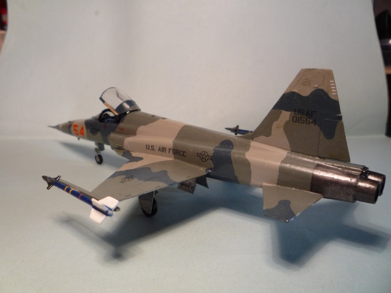F-5e Tiger 2 1/72 Airfix from the box P1070740