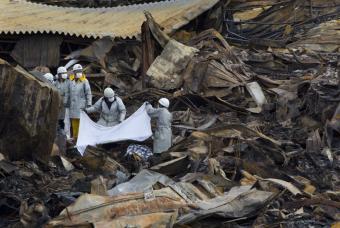 Catástrofe nuclear en Japón - Página 2 Cadave11