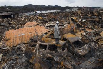 Catástrofe nuclear en Japón - Página 2 Equipo11