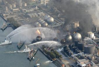 Catástrofe nuclear en Japón - Página 2 Incend11
