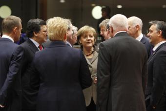 Capitalismo neoliberal: los beneficios, privados; las pérdidas, públicas Merkel11
