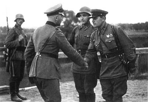Jonction entre Allemands et Russes en 1939 Offici11