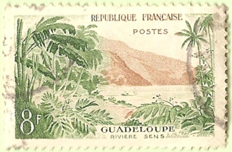 La France par ses timbres sous Google Earth - Page 16 Guadel10