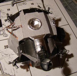 Recherche maquette module lunaire 1/48eme montée 0111