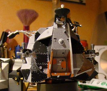 Recherche maquette module lunaire 1/48eme montée 0611