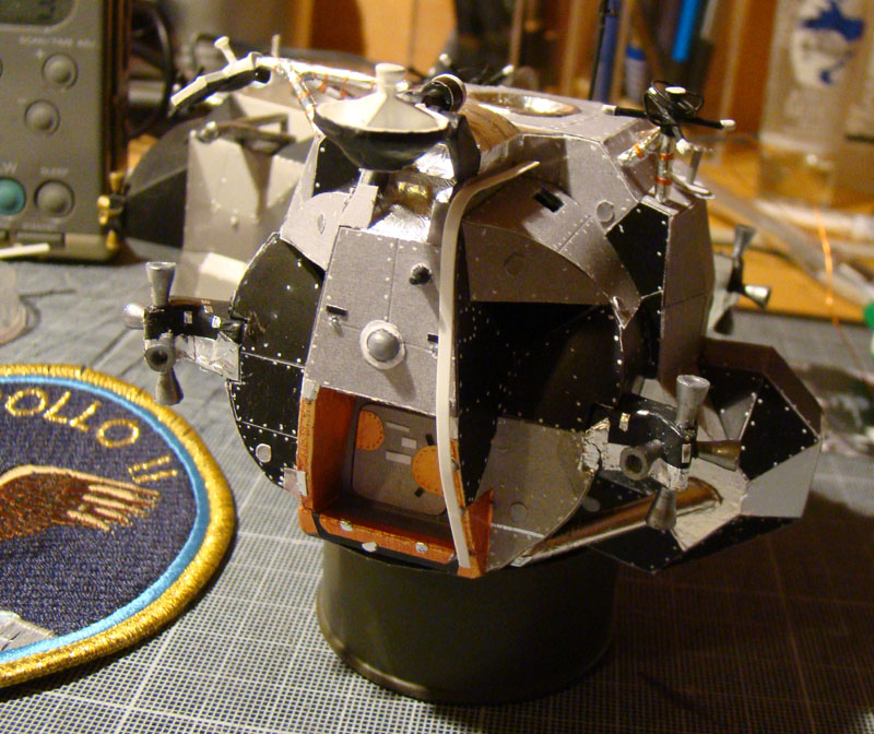 Recherche maquette module lunaire 1/48eme montée 0711