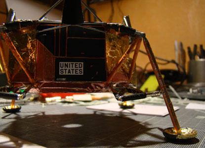 Recherche maquette module lunaire 1/48eme montée - Page 2 10710