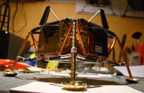 Recherche maquette module lunaire 1/48eme montée - Page 2 10810