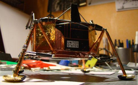 Recherche maquette module lunaire 1/48eme montée - Page 2 11010