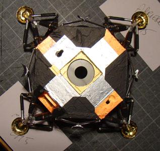 Recherche maquette module lunaire 1/48eme montée - Page 2 11210
