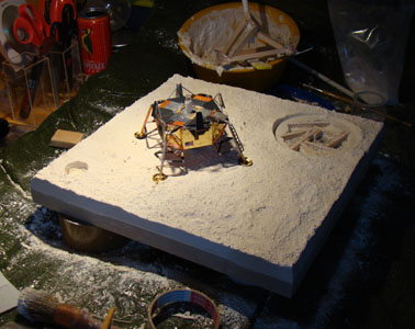 Recherche maquette module lunaire 1/48eme montée - Page 3 21410