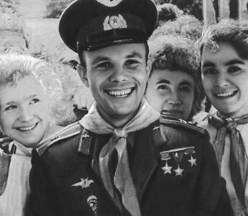 Youri Gagarine - Page 4 6010
