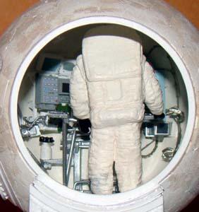 Module lunaire soviétique LK – Maquette 1/24ème - Page 6 Dsc00323