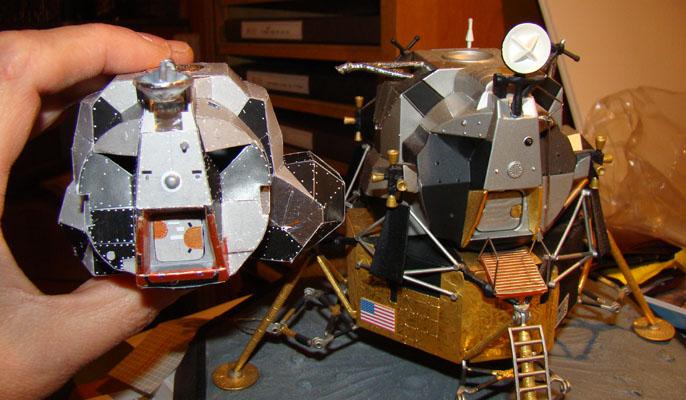 Recherche maquette module lunaire 1/48eme montée Dsc07313