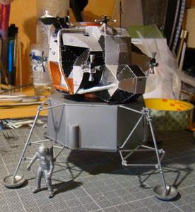 Recherche maquette module lunaire 1/48eme montée - Page 2 Dsc07411