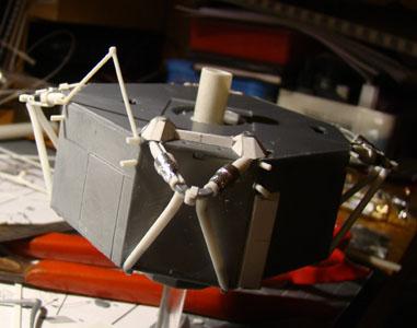 Recherche maquette module lunaire 1/48eme montée - Page 2 Dsc07429