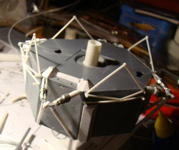 Recherche maquette module lunaire 1/48eme montée - Page 2 Dsc07432