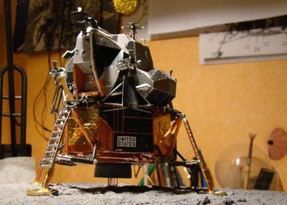 Recherche maquette module lunaire 1/48eme montée - Page 3 Dsc07519