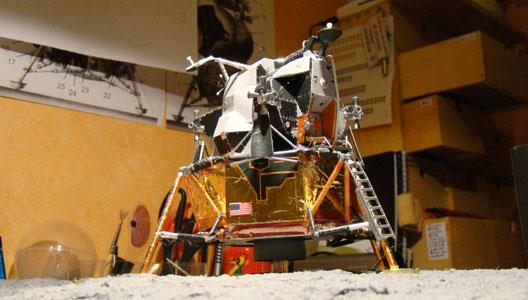 Recherche maquette module lunaire 1/48eme montée - Page 3 Dsc07520