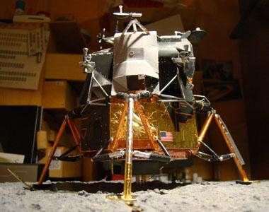 Recherche maquette module lunaire 1/48eme montée - Page 3 Dsc07521