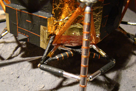 Recherche maquette module lunaire 1/48eme montée - Page 3 Dsc07528