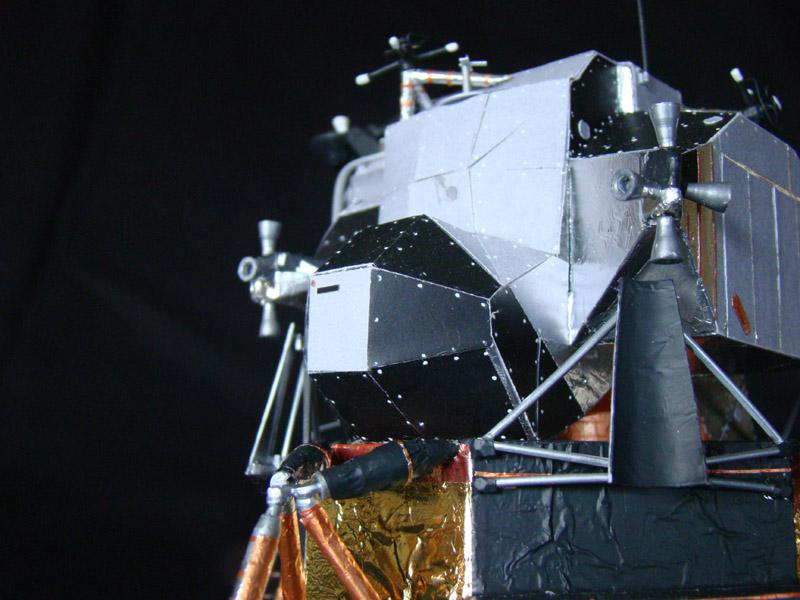 Recherche maquette module lunaire 1/48eme montée - Page 3 Dsc07536