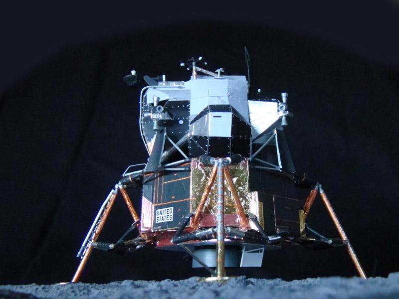 Recherche maquette module lunaire 1/48eme montée - Page 3 Dsc07538