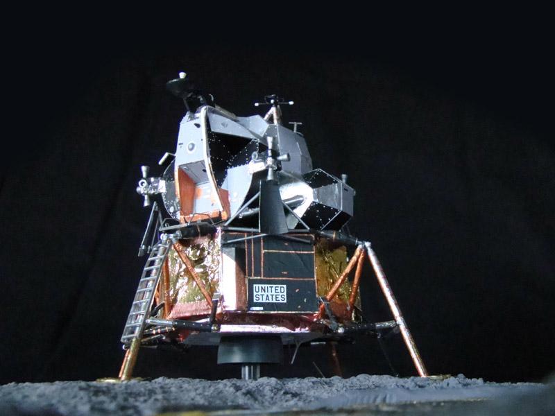 Recherche maquette module lunaire 1/48eme montée - Page 3 Dsc07611