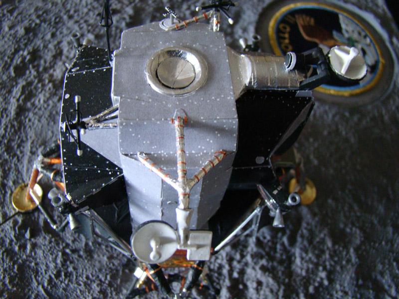Recherche maquette module lunaire 1/48eme montée - Page 3 Dsc07613