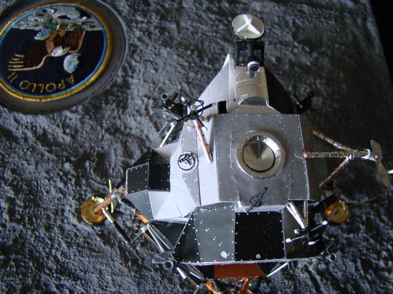 Recherche maquette module lunaire 1/48eme montée - Page 3 Dsc07614