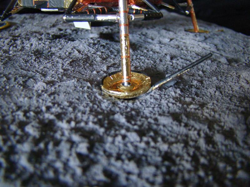 Recherche maquette module lunaire 1/48eme montée - Page 3 Dsc07615