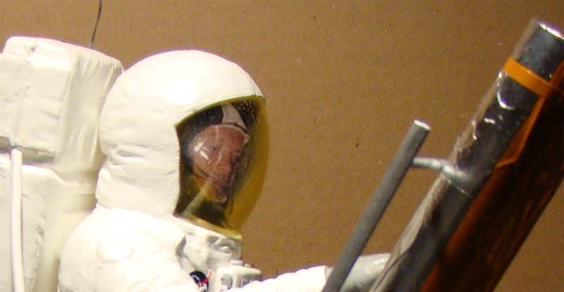 REVELL 1/8 Apollo Astronaut on the Moon Forumc10