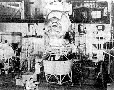 BD : les Russes sur la lune T2ksho10