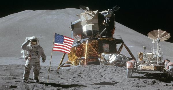 Fallen Astronaut The_fa10