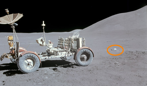 Fallen Astronaut The_fa12
