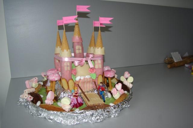 voici la photo du gâteau rigolo ....; Imgp4413