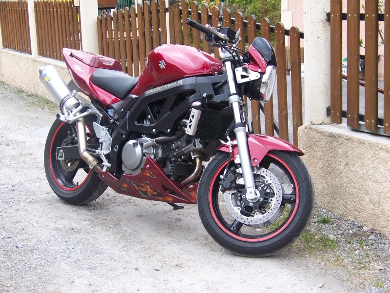 Suzuki SV650 Photo10