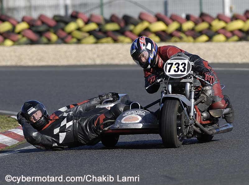Meme combat mais y a t-il des attelages avec 850 Le Mans Guzzsi10