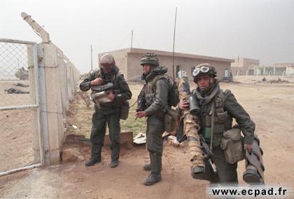 Les tenues et équipements de l'Armée Française 71717710