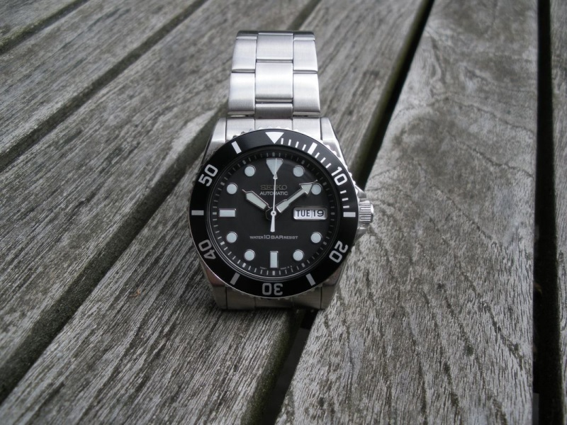Petit Comparatif Rolex Submariner 14060M / Seiko Diver 100 Dscn1422