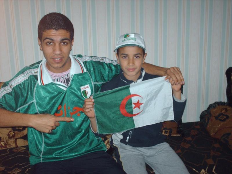 Tout le Maghreb du foot s'est tenu aux côtés de l'Algérie 04910