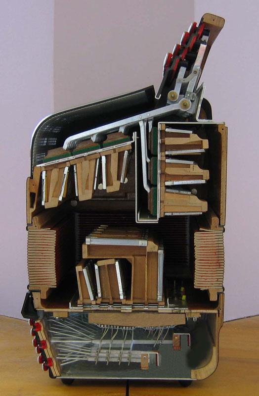 Un accordéon......Comment ça marche ?????? N26_6210