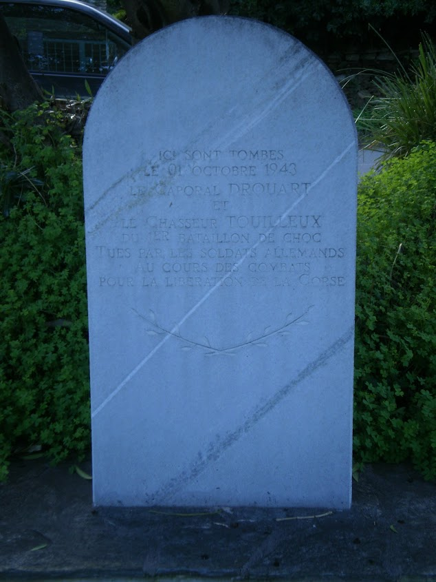 tombes btn-choc carre militaire du cimetière de bastia 210