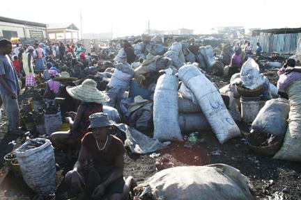 La stabilité politique est « encore précaire malgré des progrès » (Préval) Haiti_10