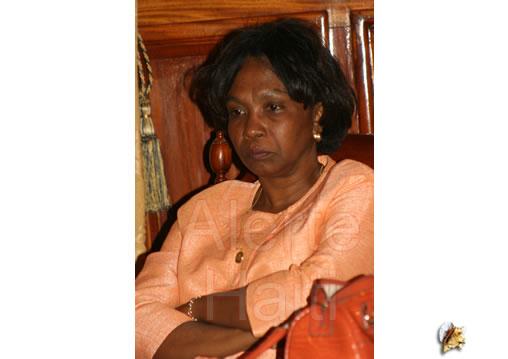 Mme Bauzile promet de se venger Respon11