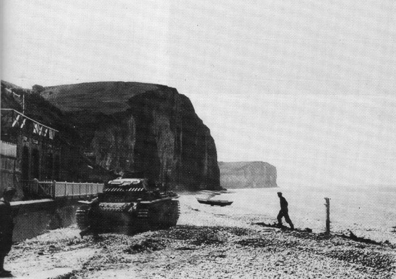 Panzerbefehlswagen III Ausf E de Rommel? Rommel11