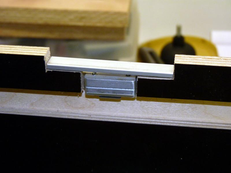 Adaptation d'un rail Protool sur scie Ryobi P1020716
