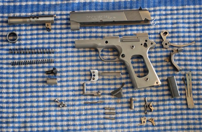 Démontage (complet) d'un 1911 Colt_o16