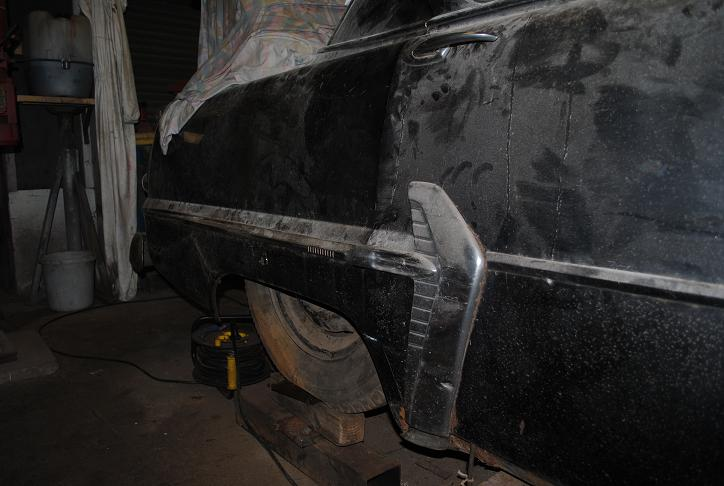 Plymouth '54 La LIMACE ECRASEE by BARE METAL GARAGE - Page 2 Plymou10